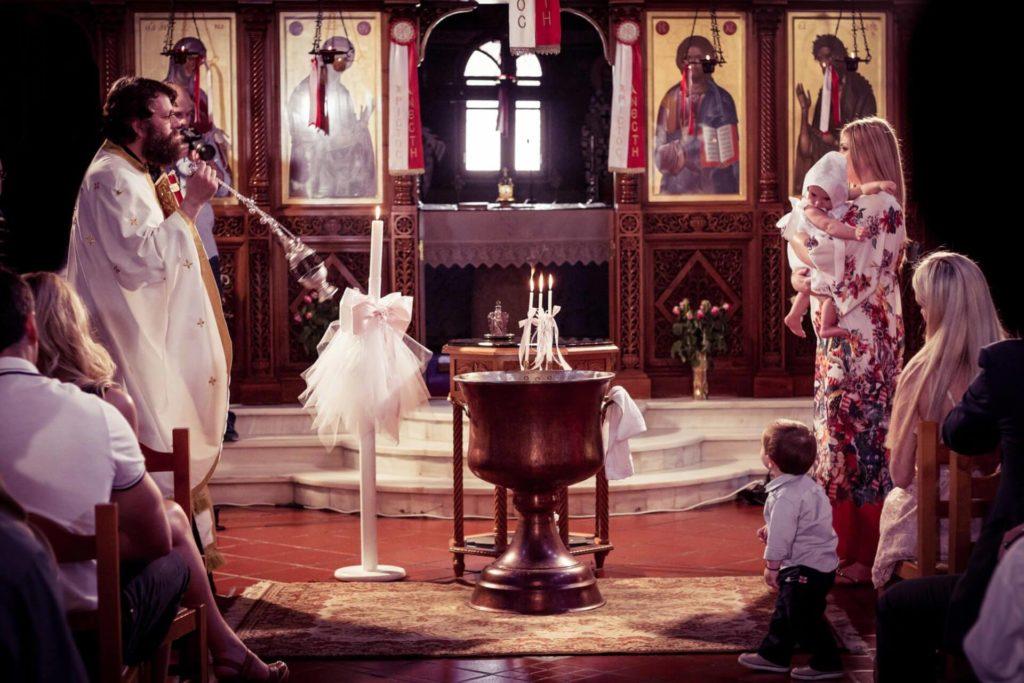 photo-vaptisis-agia-anna-kifisia-moro-koritsi