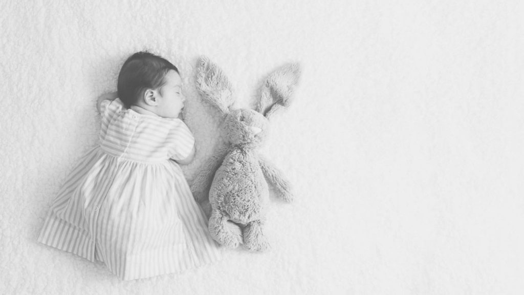 03 Foto Neogennito Moro φωτογραφιση μωρου μαιευτηριο φωτογραφος νεογεννητου μωρο οικογενεια παιδια