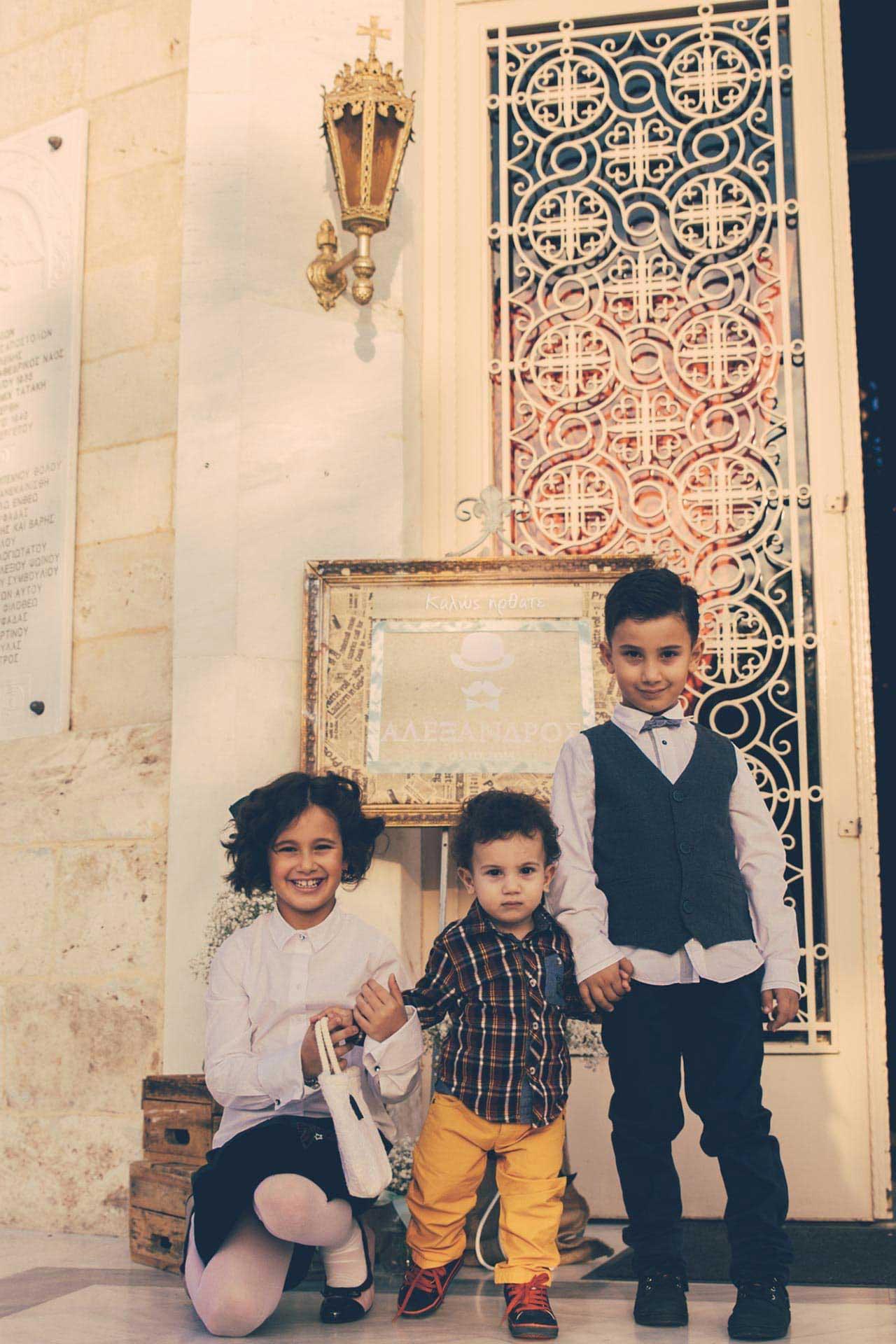 photovaptisis fotografos vaptisis agios konstantinos glifada Φωτογράφιση Βάπτισης στη Γλυφάδα greekbaptism family 13