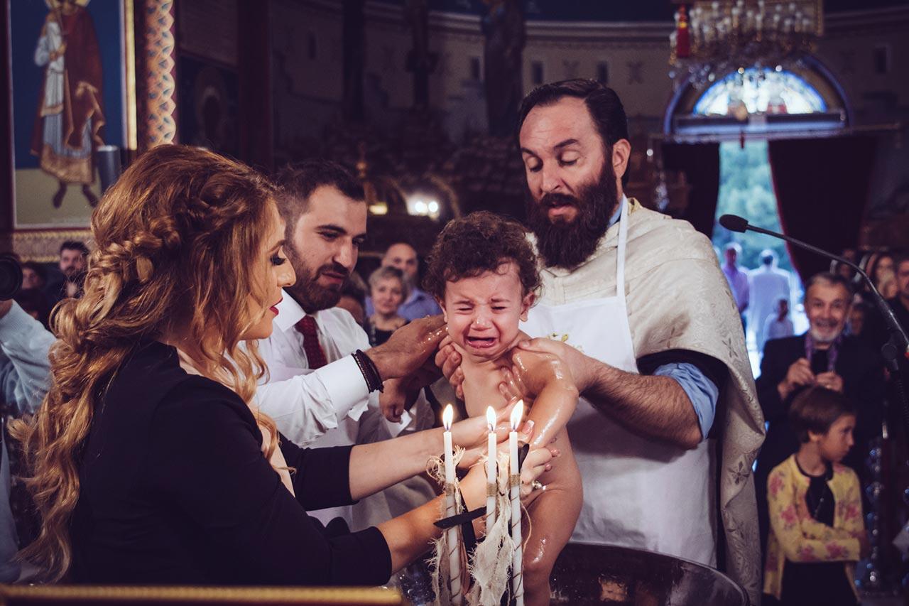 photovaptisis fotografos vaptisis agios konstantinos glifada Φωτογράφιση Βάπτισης στη Γλυφάδα greekbaptism family 39