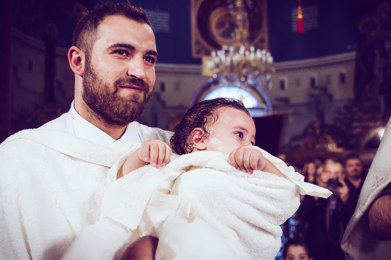 photovaptisis fotografos vaptisis agios konstantinos glifada Φωτογράφιση Βάπτισης στη Γλυφάδα greekbaptism family 43