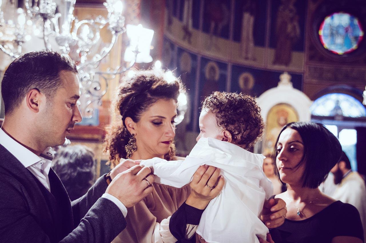 photovaptisis fotografos vaptisis agios konstantinos glifada Φωτογράφιση Βάπτισης στη Γλυφάδα greekbaptism family 52
